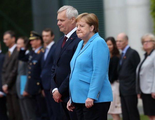 Врачи назвали причины дрожи Ангелы Меркель