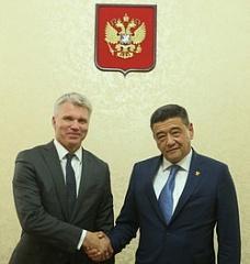 Встреча Павла Колобкова и президента НОК Узбекистана Рустама Шаабдурахмонова