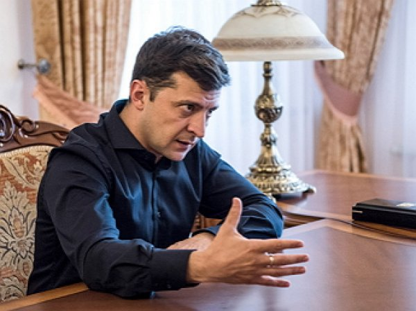 Зеленский поручил жёстко реагировать на провокации в Донбассе