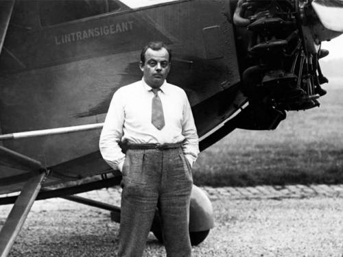 Антуан де Сент-Экзюпери 29.06.1900-31.07.1944 31 июля 1944 года писатель отправился в последний полет: с военного аэродрома Борго на острове Корсика он взлетел на своем Lockheed Lightning P-38 в разведывательный полет.