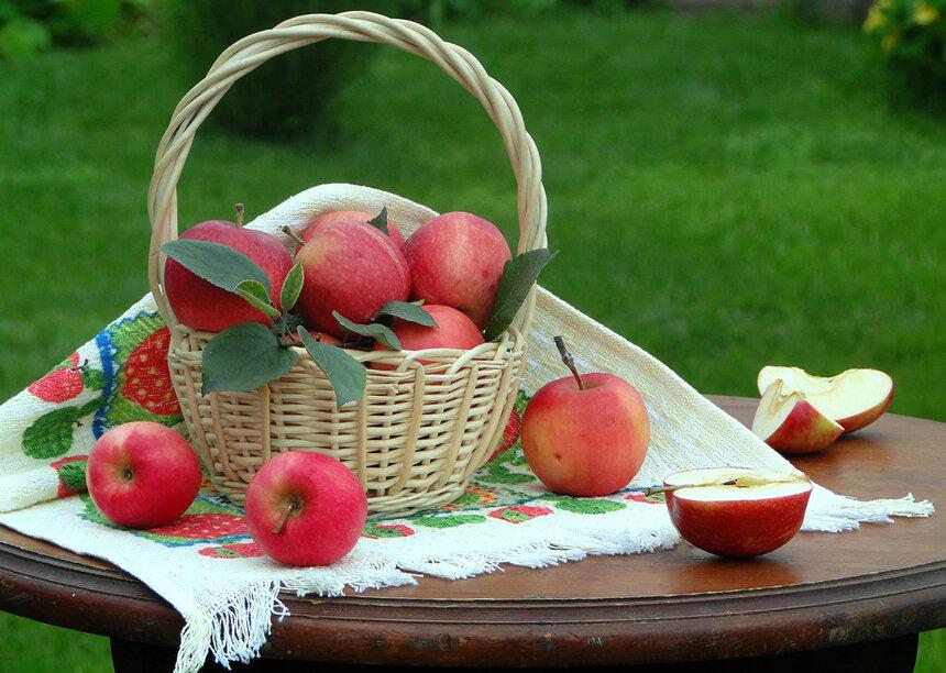 19 августа 2019 года отмечается Яблочный Спас