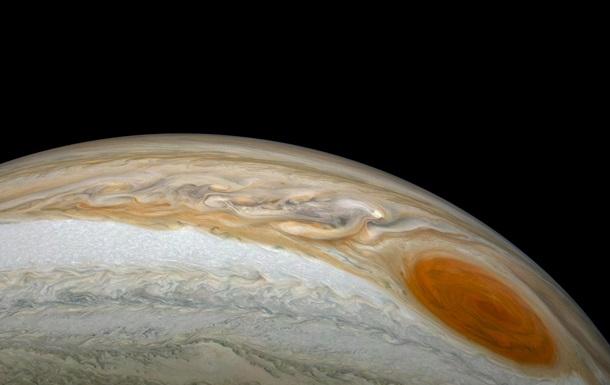 Большое Красное пятно на Юпитере показали на новых фото