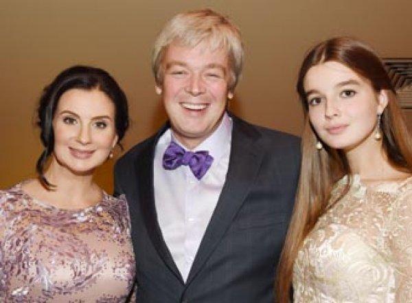 Екатерина Стриженова собрала всю семью в Мексике на общем фото