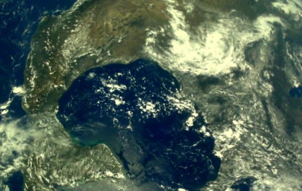 Индийский лунный аппарат сфотографировал Землю