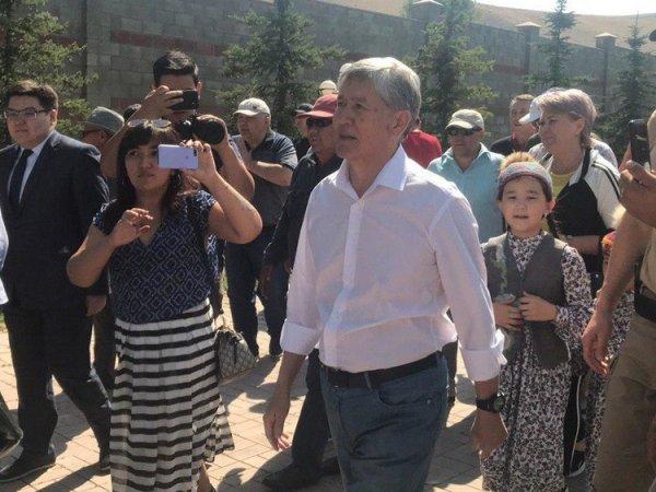 Экс-президента Киргизии Атамбаева арестовали после 6-часового допроса