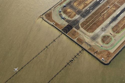 Второе место в категории «Город». «В век авиации». Автор фото: Яссен Тодоров.