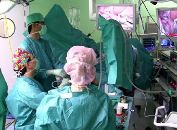 Медики назвали пять первых признаков рака кишечника