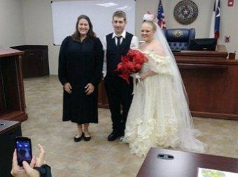 Молодожены трагически погибли через пару минут после свадьбы
