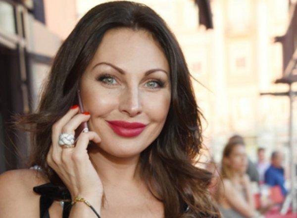 «Никаких диет!»: актриса Бочкарева раскрыла секрет похудения на 60 кг после родов