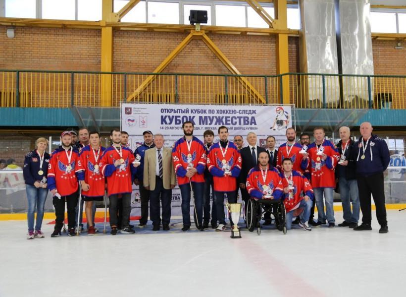 Подмосковный «Феникс» отстоял «Кубок Мужества» по следж-хоккею