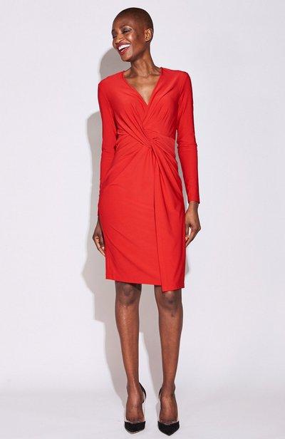 """Серена Уильямс создала """"идеальное алое платье для любой фигуры"""""""