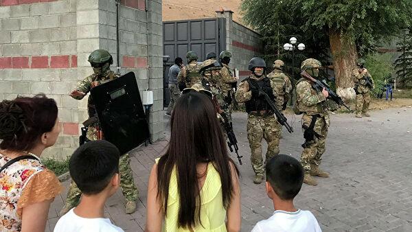 Спецназ задержал экс-президента Киргизии Атамбаева