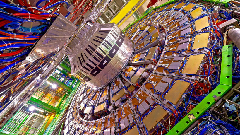 Ученые из Дубны и Женевы проведут в сентябре Европейскую школу по физике высоких энергий