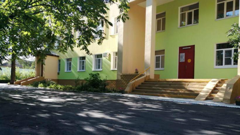 Асфальт заменили на территории 9 медучреждений в Коломенском округе