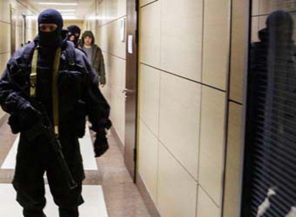 Блокируют карты и изымают технику: после выборов силовики обыскали штабы Навального в 40 городах РФ