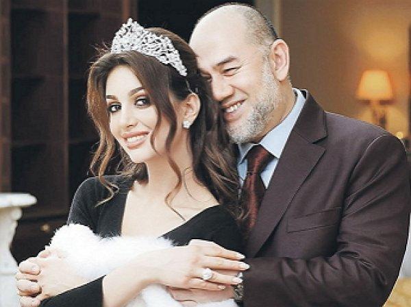 Экс-король Малайзии назвал ошибкой свадьбу с «Мисс Москва» Оксаной Воеводиной