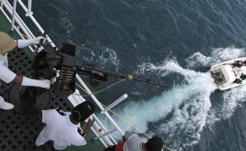 Бенгальский залив Нападений за год: 30 Воды Бенгальского залива кишат акулами и пиратами — будто вы оказались в романе Роберта Стивенсона. Сокровищ, к сожалению, тут маловато, зато шансы повстречать абордажную команду очень высоки.