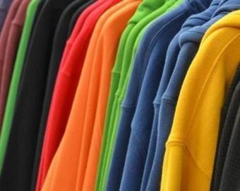 Модный бренд подвергся критике из-за «дыр от пуль»