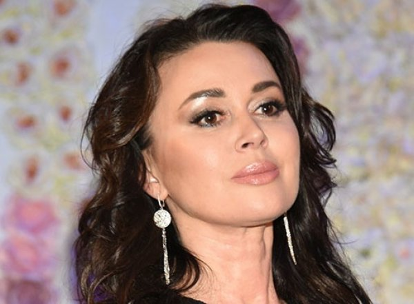 """""""Она умирает"""": пациентка клиники, где лечат Заворотнюк, раскрыла правду о состоянии актрисы"""
