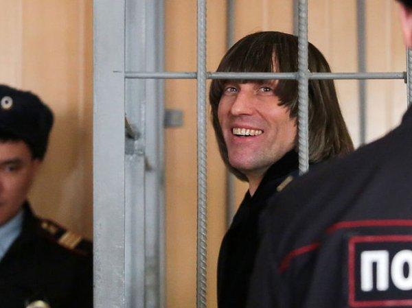 Стало известно, кто передал в СКР взятку в $1 млн за освобождение подручного вора в законе Шакро Молодого