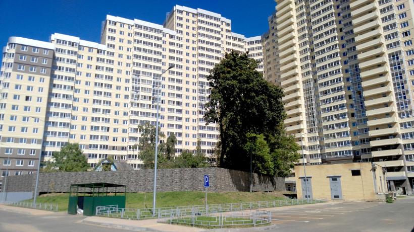 Строительство дома с подземным паркингом завершили в жилом комплексе Одинцова