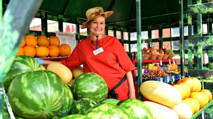 Свыше 1,1 тыс. тонн арбузов и дынь продали на бахчевых развалах в Подмосковье с 1 августа