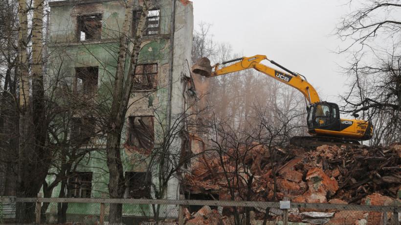 Тагиев дал разъяснения гражданам по срокам переселения из аварийного жилфонда региона