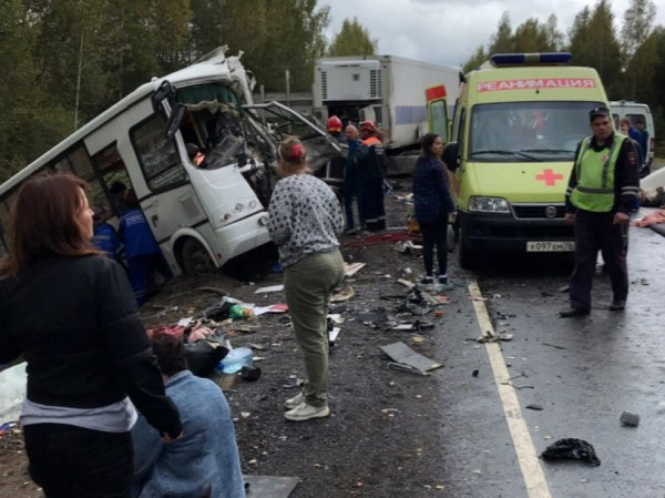 В аварии с автобусом под Ярославлем погибли 9 человек