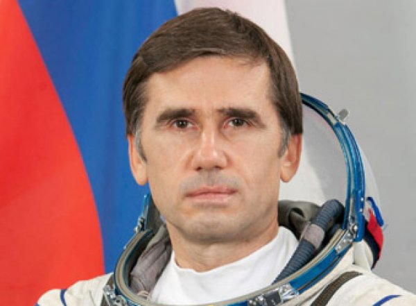 Жена-американка испортила карьеру российскому космонавту