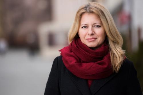 Зузана Чапутова, Словакия Летом 2019 года она вступила в должность президента Словакии, точно так же, как и её коллега из Грузии, став первой женщиной-президентом в своей стране. Зузана Чапутова по образованию юрист, долгое время работала в гражданском объединении и в органах самоуправления. Всегда занимала активную гражданскую позицию, является лауреатом экологической премии Goldman. Она стала новым лицом на политической арене Словакии, а граждане этой страны искренне верят, что под руководством Зузаны Чапутовой Словакия станет процветающей страной.