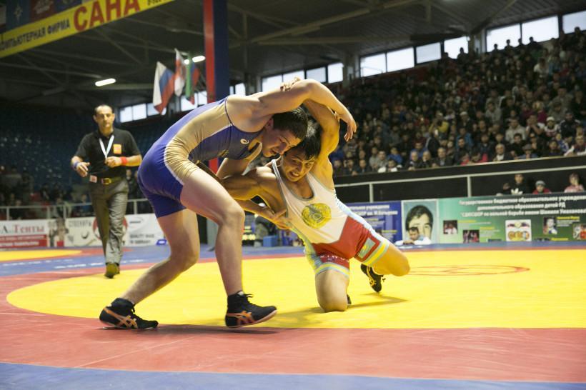 Азамат Тускаев завоевал бронзу на международном турнире по вольной борьбе