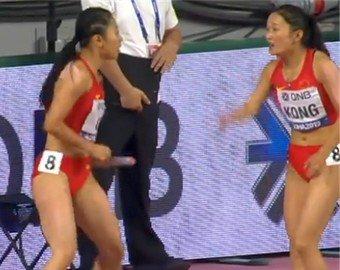 Бегуньи опозорились во время командной эстафеты на чемпионате мира