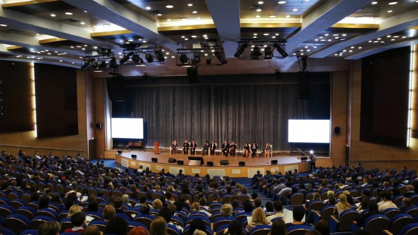Более 2,5 тысяч врачей примут участие в Съезде терапевтов Подмосковья
