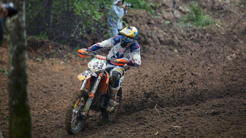 Дмитрий Паршин завоевал бронзу на чемпионате Европы по мотогонкам