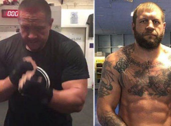 Емельяненко и Кокляев устроили потасовку в московском баре перед боем