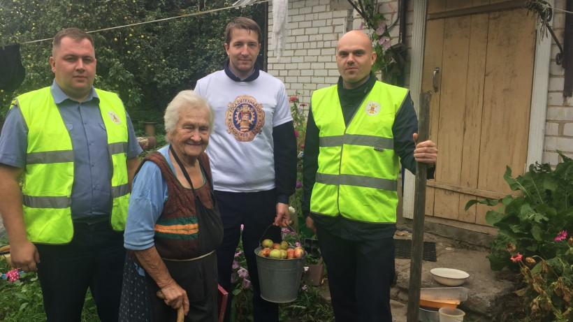 Госадмтехнадзор отметили Всемирный день пожилого человека помощью подопечным