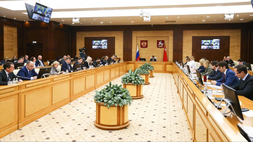Губернатор представил нового военного комиссара Подмосковья полковника Алексея Астахова