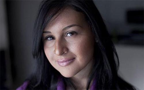 6-е место UniGirl В 2010 году новозеландская студентка, известная лишь по нику UniGirl, оказалась в сложной финансовой ситуации. Как вы думаете, из-за чего? Правильно — ей абсолютно нечем было платить за обучение в университете. Девушка нашла выход из ситуации, продав свою девственность на онлайн-аукционе за 32 тысячи долларов. Итоговая цена привела девушку в настоящий шок, и в комментариях она призналась, что даже не рассчитывала на такую удачу.