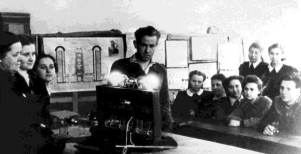Леонов — первый в открытом космосе. Как это было
