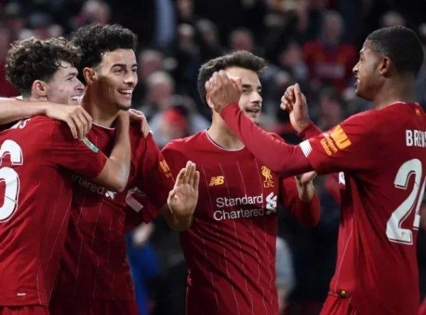 «Ливерпуль» выбил «Арсенал» из Кубка лиги в серии пенальти после 5:5 в основное время