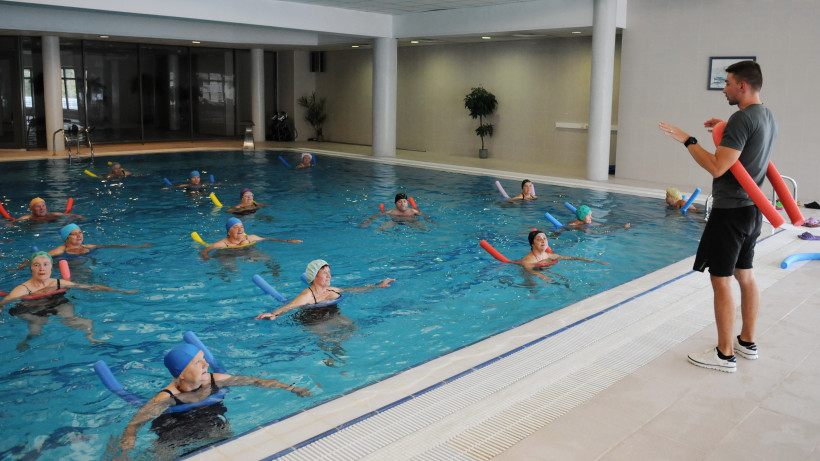 Урок по плаванию для участников программы «Активное долголетие»