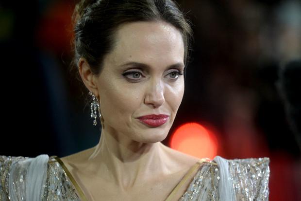 """""""Настоящая старушка"""": скандальный развод ударил по внешности Анджелины Джоли"""