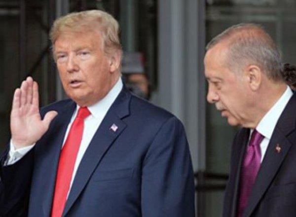 """""""Не будь дураком"""": Трамп попросил Эрдогана не строить из себя """"крутого парня"""""""