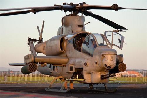 2. AH-1Z Viper Если американские военные действительно любят что-то больше всего, то это вертолеты и самолеты. «Гадюка» была поставлена на вооружение в 2011 году. Оснащенный по последнему слову техники боевой вертолет состоит на вооружении исключительно Корпуса морской пехоты США. Машины уже побывала «в поле» и показала себя с лучшей стороны. Во многом благодаря передовой авионике.