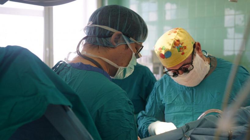 Рентгенохирурги Мытищинской больницы провели сложную операцию в режиме онлайн