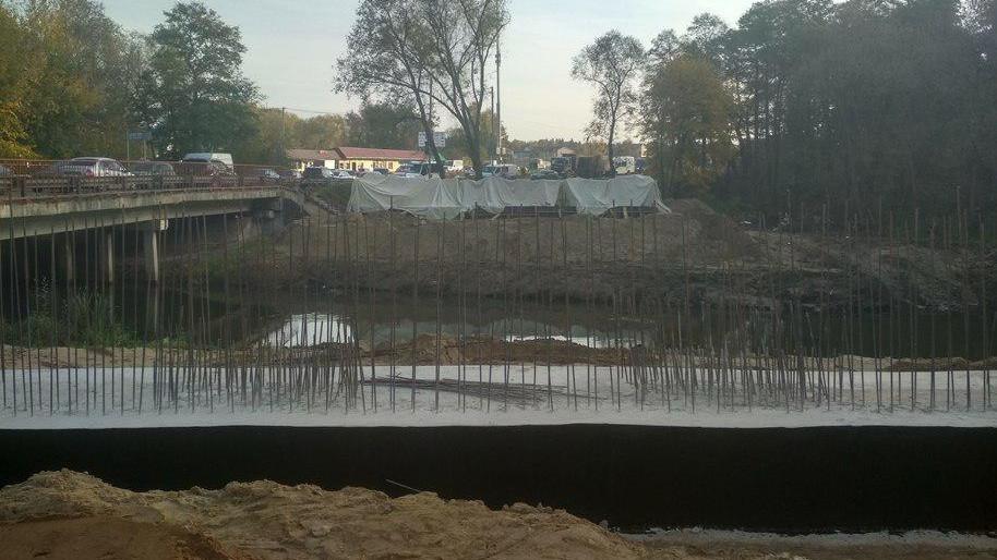 Строительство моста через Пехорку в Люберцах завершат в декабре