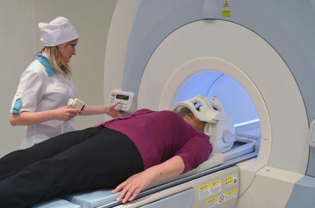 Как проводится МРТ головного мозга
