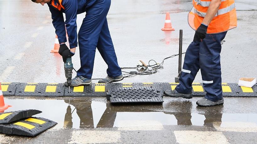 Триста искусственных неровностей установили на дорогах Подмосковья
