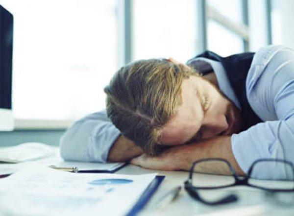 Ученые рассказали когда дневной сон опасен для здоровья