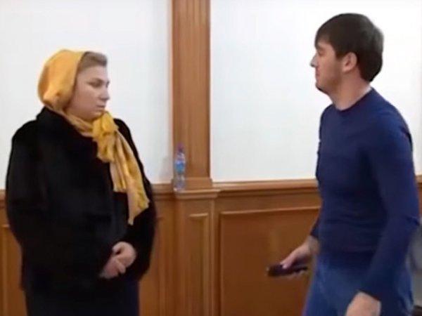 Ударивший женщину электрошокером бывший вице-премьер Чечни Ислам Кадыров попал на видео